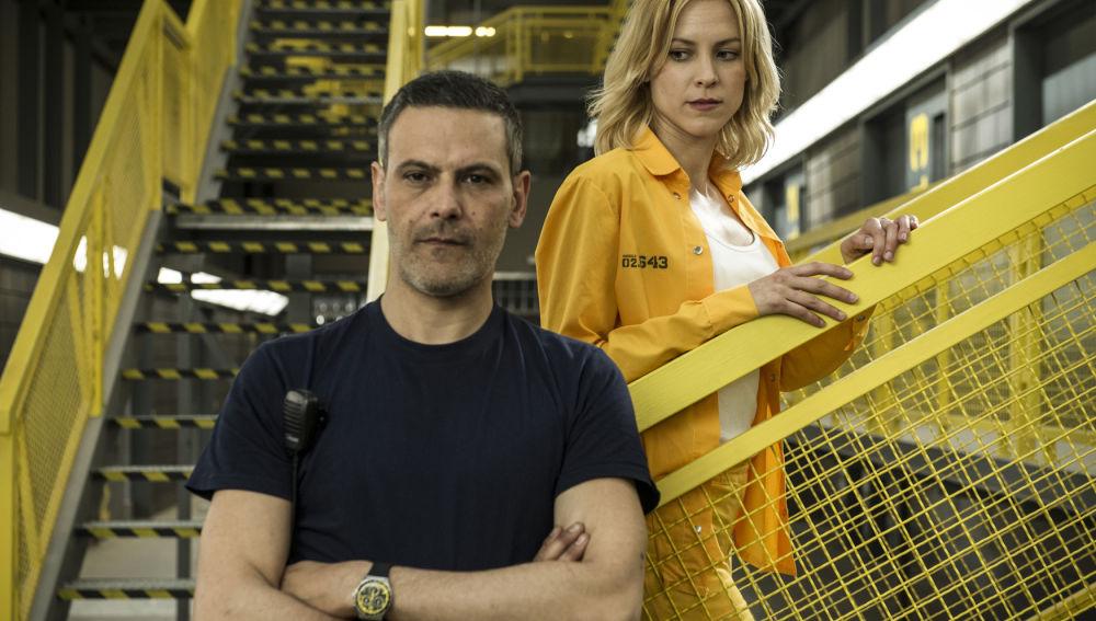 Roberto Enríquez es Fabio en 'Vis a vis'
