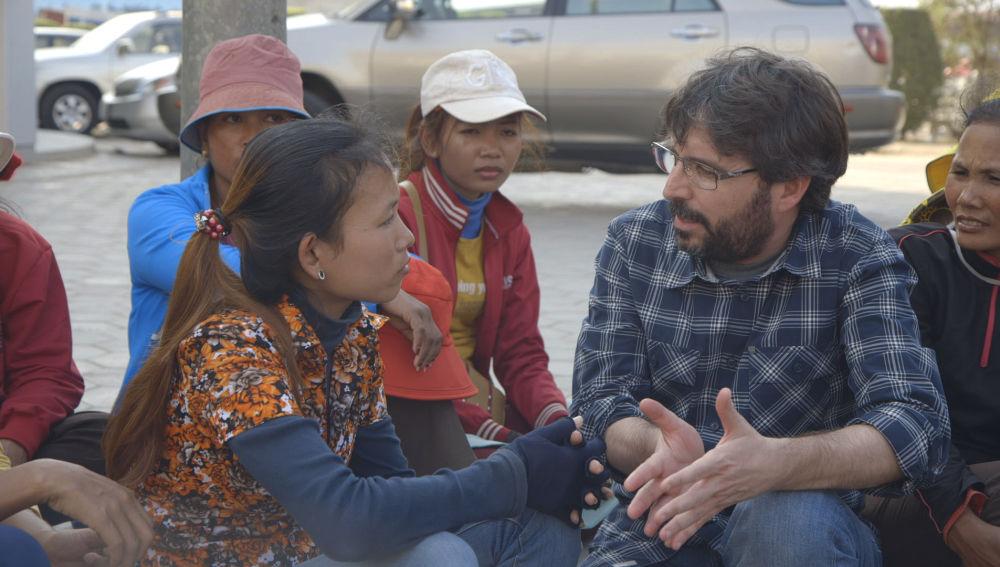 Jordi Évole viaja a Camboya para conocer a las trabajadoras de las grandes marcas de moda