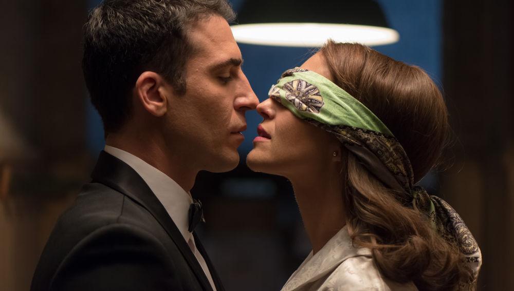 Alberto y Ana dan rienda suelta a su amor en la tercera temporada de Velvet