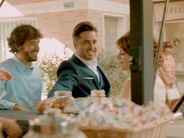 Bustamante en el videoclip Amar es Para Siempre