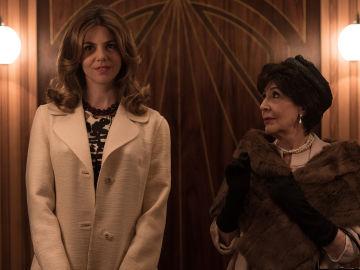 Concha Velasco (Petra) y su sobrina, Manuela Velasco (Cristina) en 'Velvet'