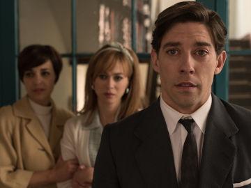 Ana, Clara y Pedro, preocupados ante la operación de Rita