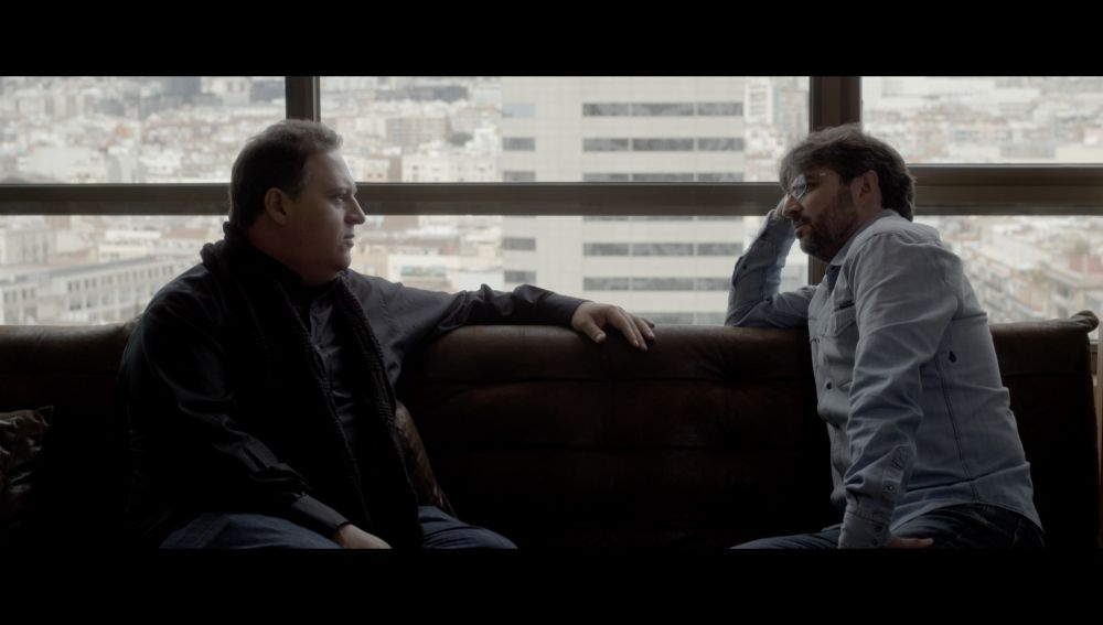 Jordi Évole con Sebastián Marroquín, hijo de Pablo Escobar, en 'Salvados'