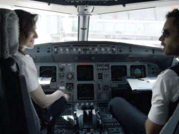 Miembros de la tripulación de un vuelo de Iberia