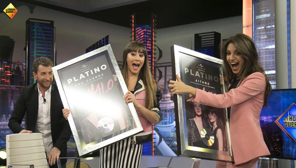 Aitana y Ana Guerra reciben el disco de platino en 'El Hormiguero 3.0'