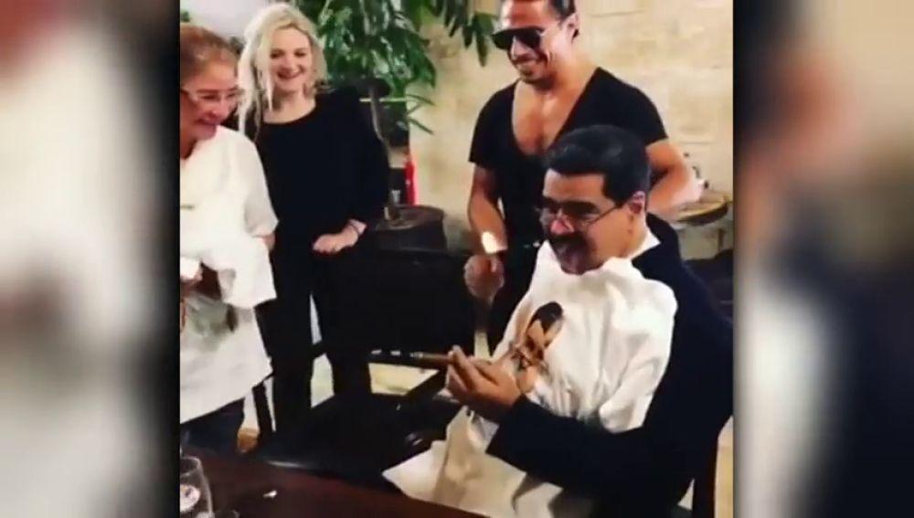 Críticas a Maduro por comer en un famoso restaurante en Turquía mientras Venezuela sigue inmersa en una profunda crisis