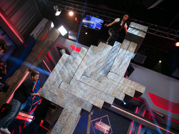 El homenaje de Pilar Rubio a Pablo Alborán a través de una escultura imposible en 'El Hormiguero 3.0'