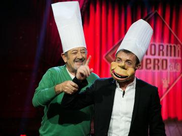 Pablo Motos se convierte en la marioneta de Karlos Arguiñano en 'El Hormiguero 3.0'