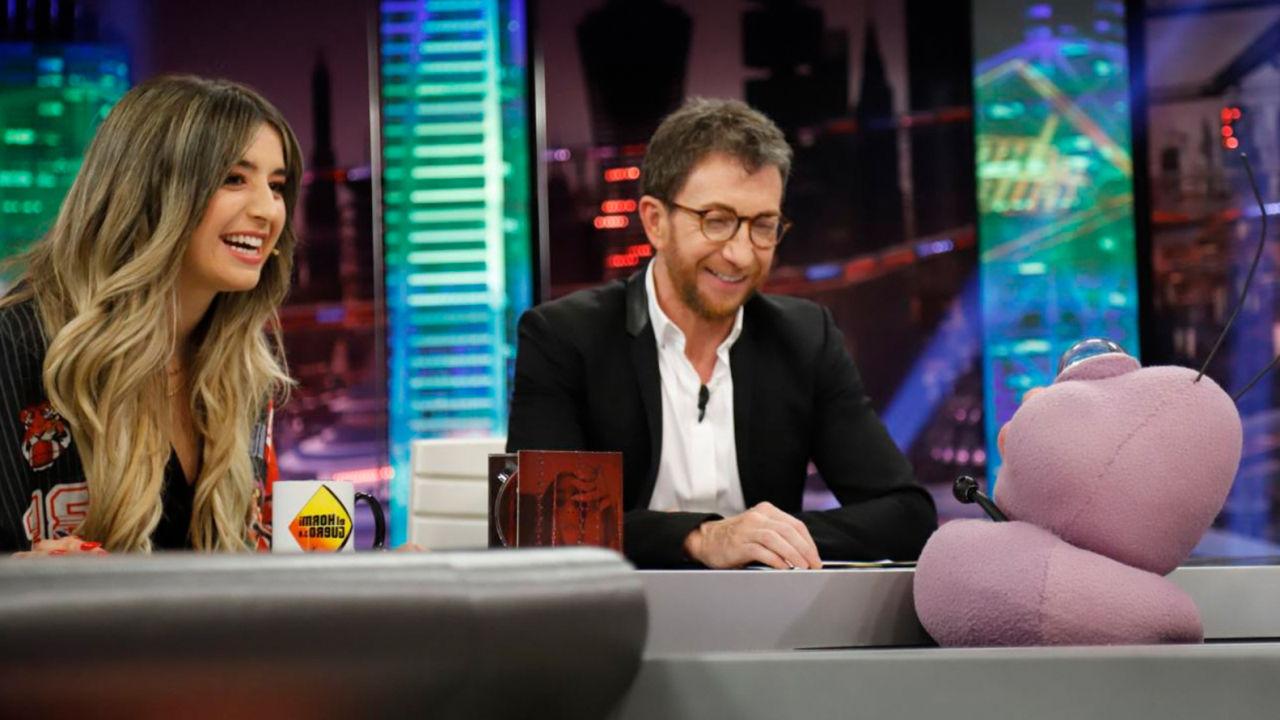 Lola Índigo Presenta 'Akelarre' Y Canta 'Maldición' En 'El