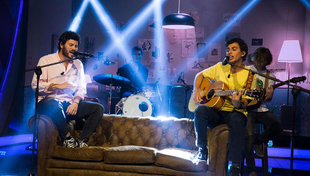 Taburete interpreta 'Belerofón' en directo en 'El Hormiguero 3.0'