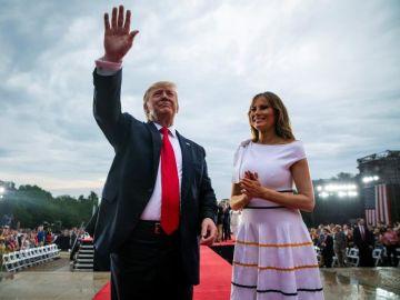 Donald Trump posa junto a Melania