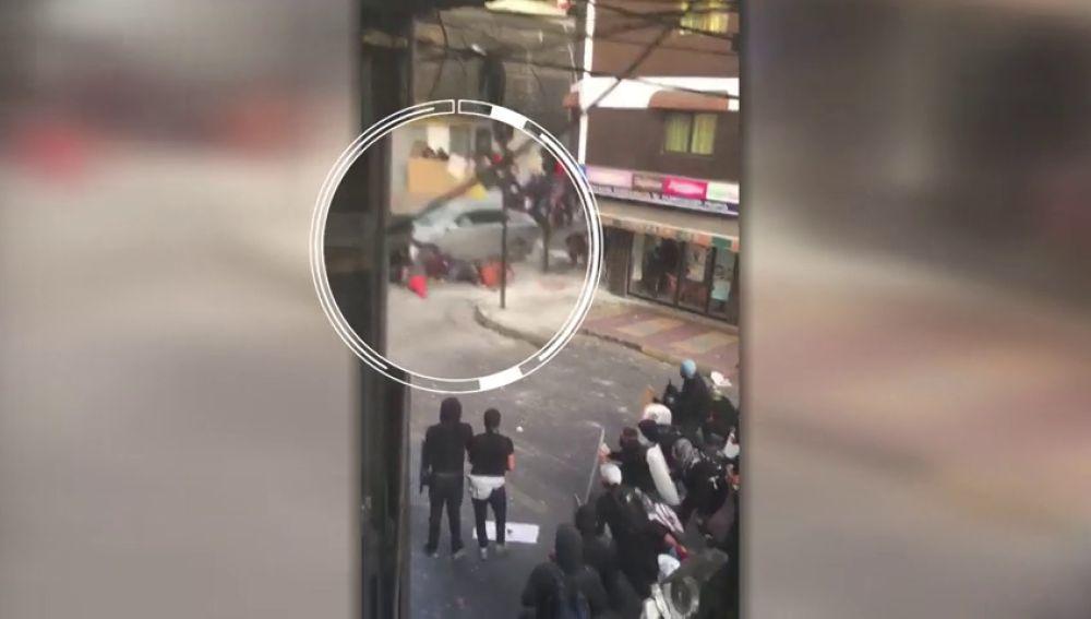 Un conductor irrumpe en una manifestación y atropella a cinco personas en Chile