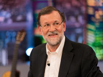 """Mariano Rajoy comenta el momento en el que Pedro Sánchez tiró su colchón de la Moncloa: """"Le hubiera ido mejor continuar con mi colchón, porque se le hubieran pegado algunas buenas cualidades"""""""