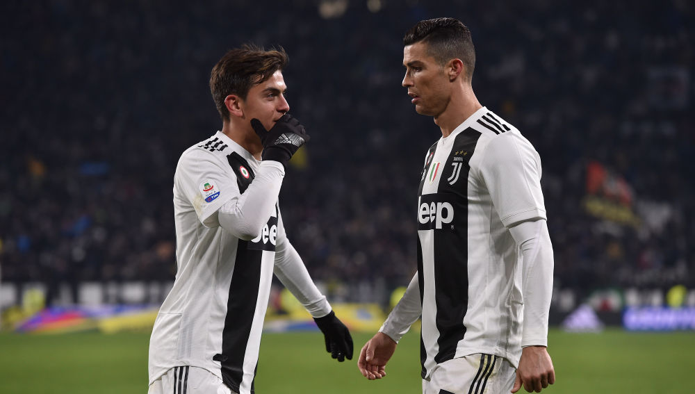 Dybala y Cristiano, durante un partido de la Juventus