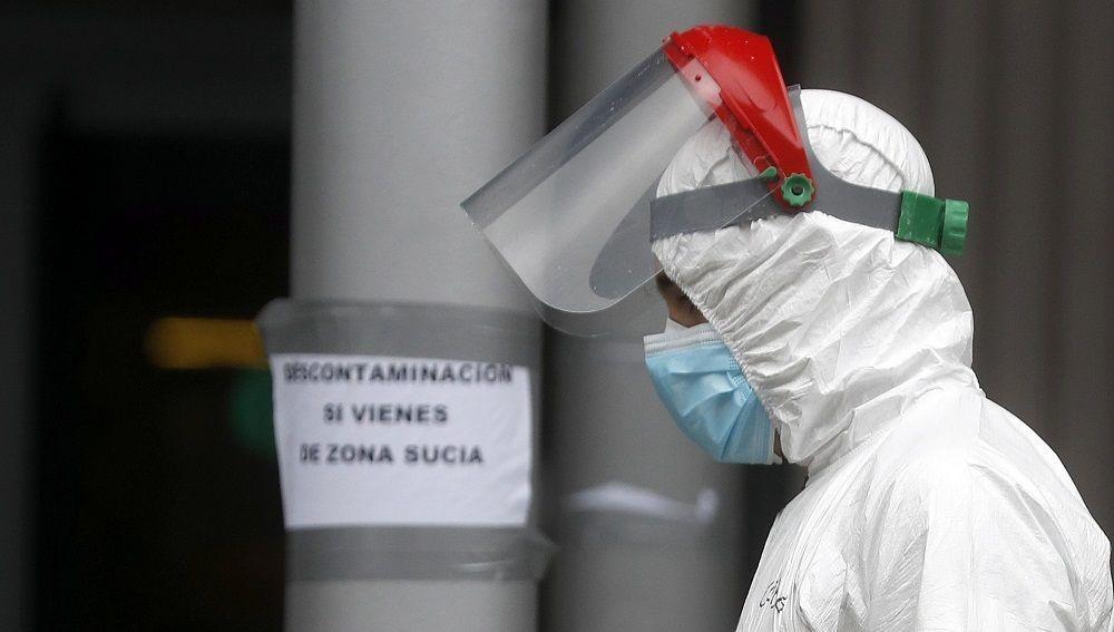 LaSexta Noticias Fin de Semana (05-04-20) Mueren 674 personas por coronavirus en las últimas 24 horas y la cifra total asciende a 12.418 fallecidos en España