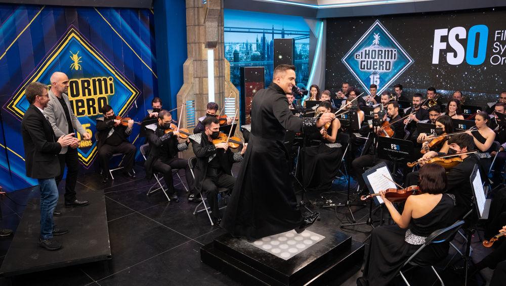 La Film Symphony Orchestra revoluciona 'El Hormiguero 3.0' con un juego imposible sobre famosas bandas sonoras