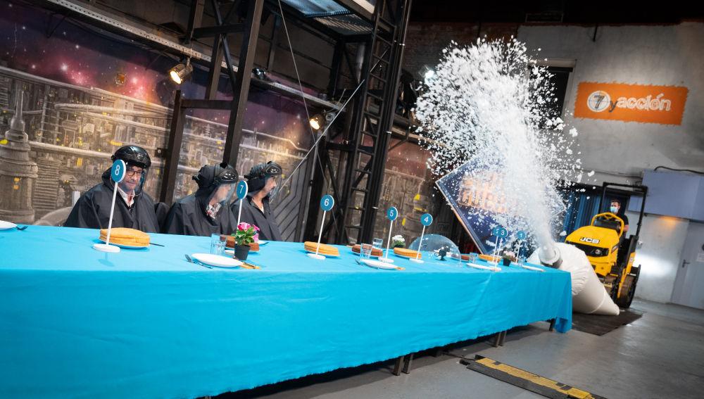 Marron conquista a Alberto Chicote con la manga pastelera más grande del mundo