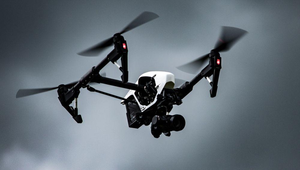 Identificado el piloto del dron que sobrevoló la Puerta del Sol en las campanadas