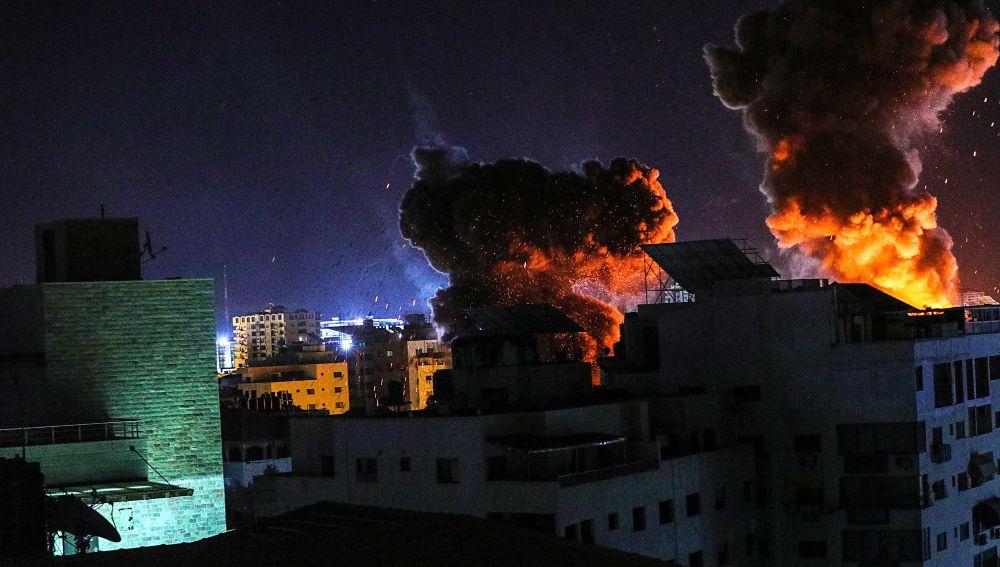Imagen de una explosión en la Franja de Gaza tras los bombardeos de Israel