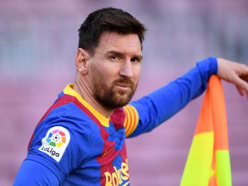Leo Messi queda libre hoy al terminar su contrato con el Barcelona... si Laporta no lo impide