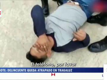 El ladrón que quedó atrapado en la ventana y al que la víctima tuvo que rescatar, en 'Zapeando'