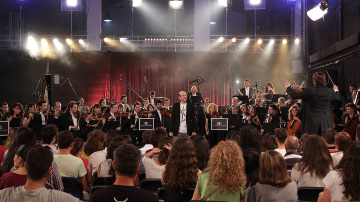 Jandro con la Film Symphony Orquesta