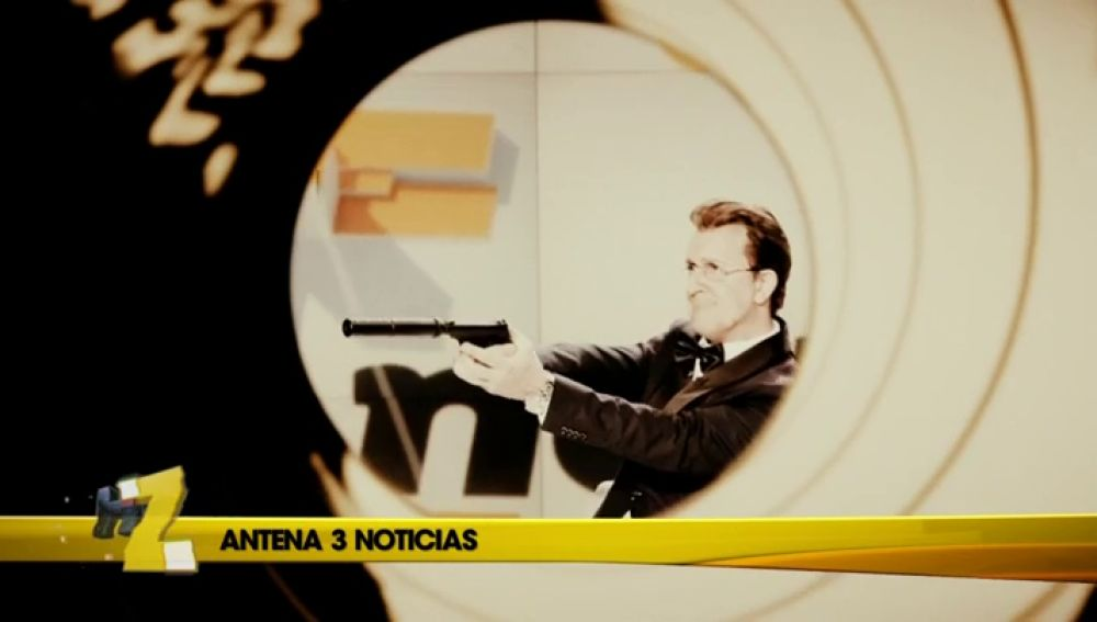 Matías Prats se cree James Bond