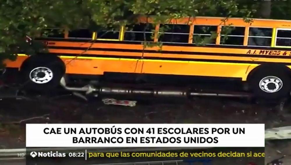 Un autobús escolar se precipita en Pensilvania