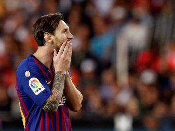 Messi durante el Valencia - Barcelona