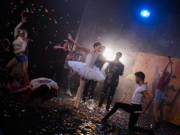 VÍDEO: 'El Hormiguero 3.0' homenajea la carrera de Alejandro Sanz con un espectacular videoclip en vivo