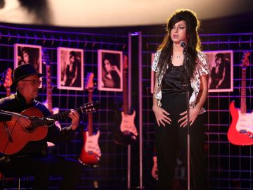 Mimi como Amy Winehouse