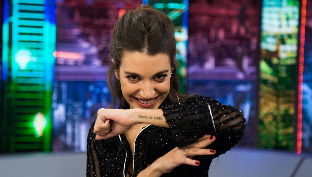 'Querer es poder', el tatuaje que une a Ana Guerra y a su padre para siempre