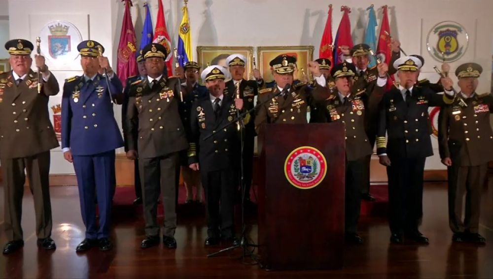 Los mandos militares de Venezuela respaldan a Maduro
