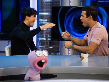 Óscar y Mario Casas demuestran su gran comprenetación en 'El Hormiguero 3.0' con los puntos telepáticos