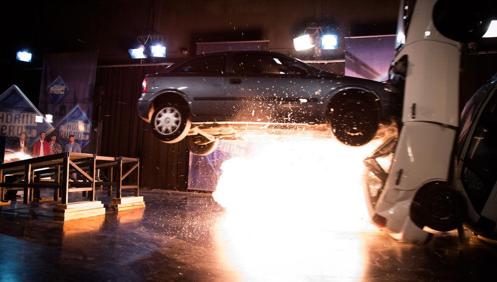 Walter Franco se juega la vida en su coche para conseguir un efecto cascada en 'El Hormiguero 3.0'