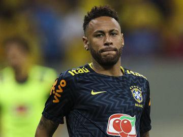 Neymar, antes de un partido con Brasil