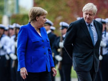 Angela Merkel y Boris Johnson en Berlín