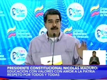 Gallineros escolares, la receta de Nicolás Maduro contra el hambre en Venezuela