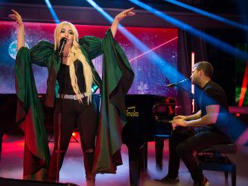 Pablo Alborán y Ava Max sorprenden cantando 'Tabú' en 'El Hormiguero 3.0'