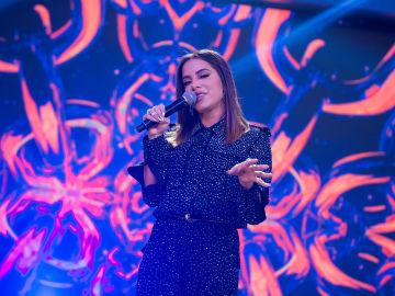 Anitta canta en directo su éxito 'Get to Know Me' y llena de ritmo 'El Hormiguero 3.0'