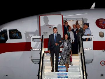 Los Reyes de España llegan a Cuba