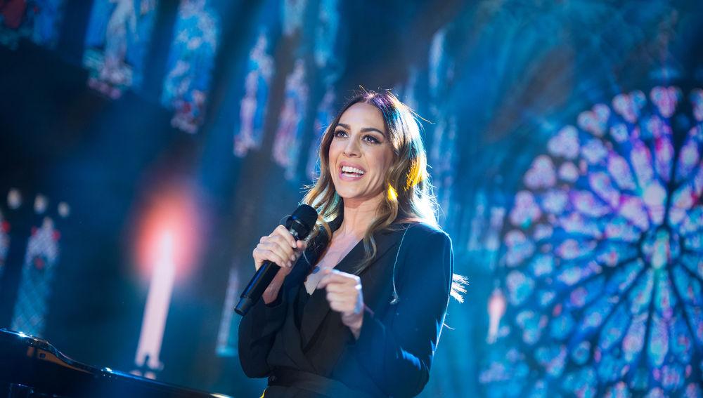 Mónica Naranjo improvisa una impresionante versión de 'Libre amar' en directo en 'El Hormiguero 3.0'