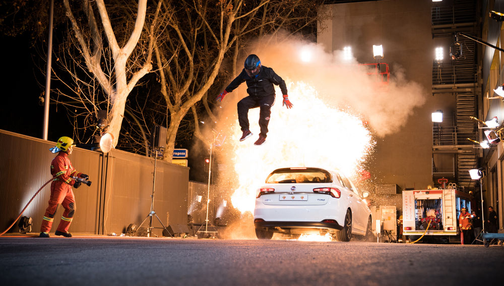 El reto más peligroso de 'El Hormiguero 3.0': Jordi évole y Pablo Motos, en un coche envuelto en llamas