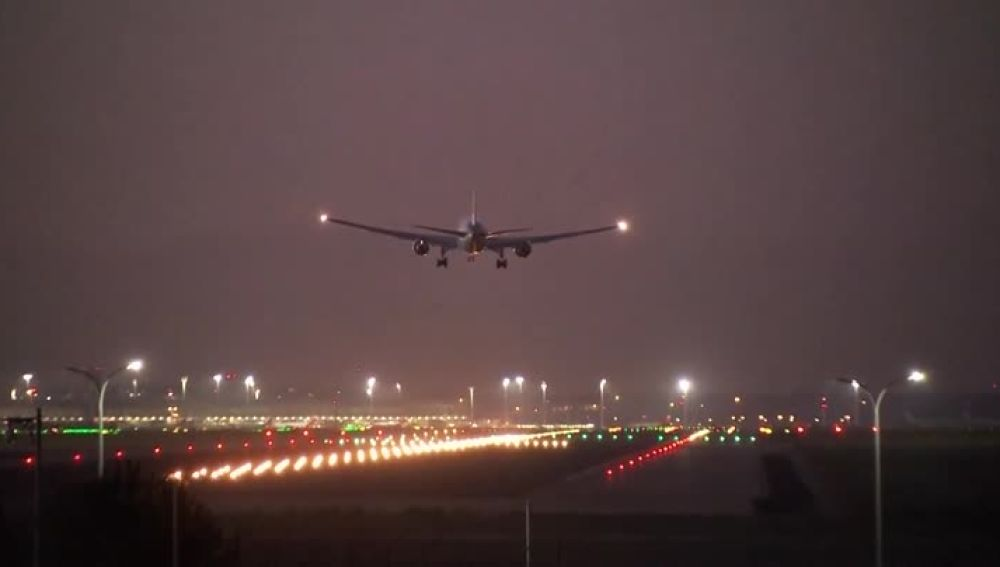 El avión de Air Canadá aterriza en Barajas