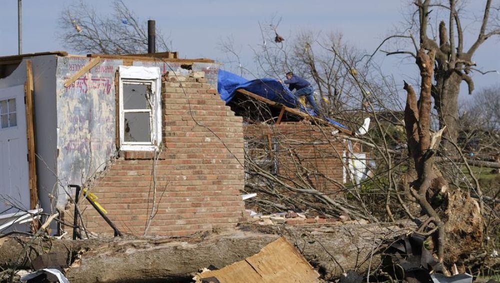 Daños materiales tras los tornados en Nashville.