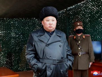 Foto de Kim Jong-Un compartida con los medios por KCNA