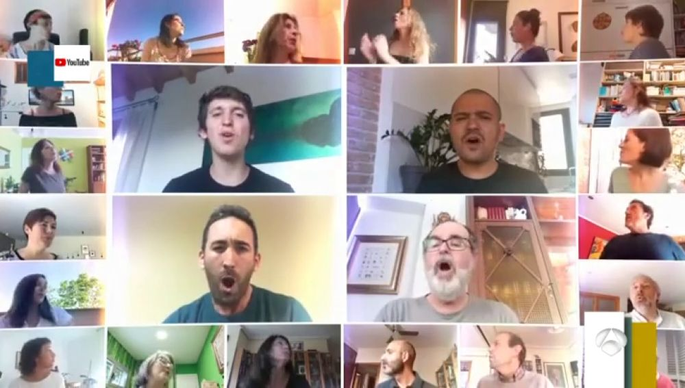 Un coro de 640 cantantes celebra la 'desescalada' con 'Viva la vida'