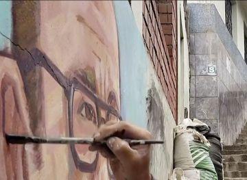 Pintor en Perú pinta a fallecidos por el coronavirus