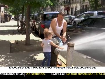 300 bocas de incendio para refrescarse ante la segunda ola de calor en Nueva York
