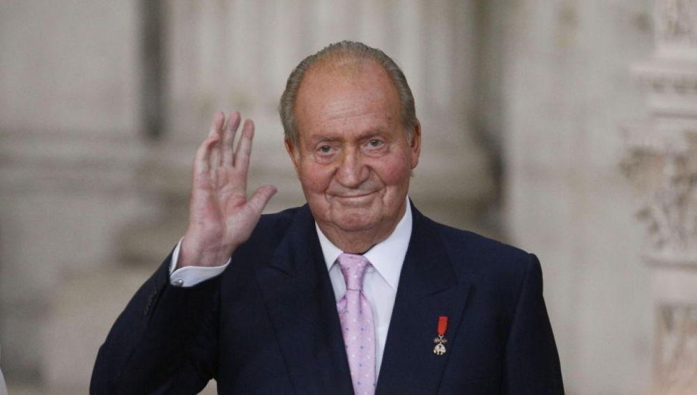 """Más Vale Tarde (03-08-20) """"¿La justicia va a permitir que se marche?"""": las reacciones a la decisión del rey Juan Carlos I de irse de España"""
